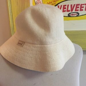 Kangol Regular Bucket Hat 21in Diameter Tan